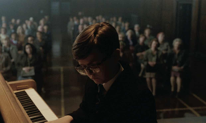 John Lewis 2018 年圣诞广告:小男孩与钢琴(The Boy and The Piano)