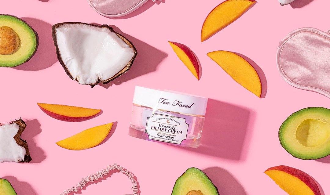 ICY 和 Insta360 获最新融资,星巴克推出植物基菜单,彩妆品牌 TooFaced 入驻天猫 | 品牌日报